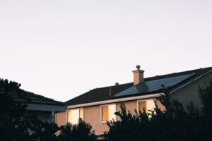 zonnepanelen aanschaffen goede reden herfst